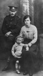 Frank Murlis with wife and son c 1916