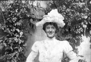 LONG. Violet 1901