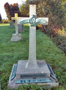 Lutyens gravestone-Thursley